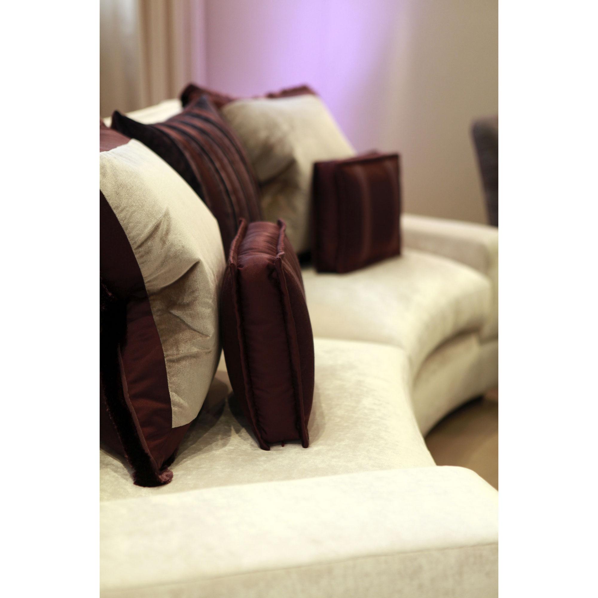 eton sofa lifestyle image